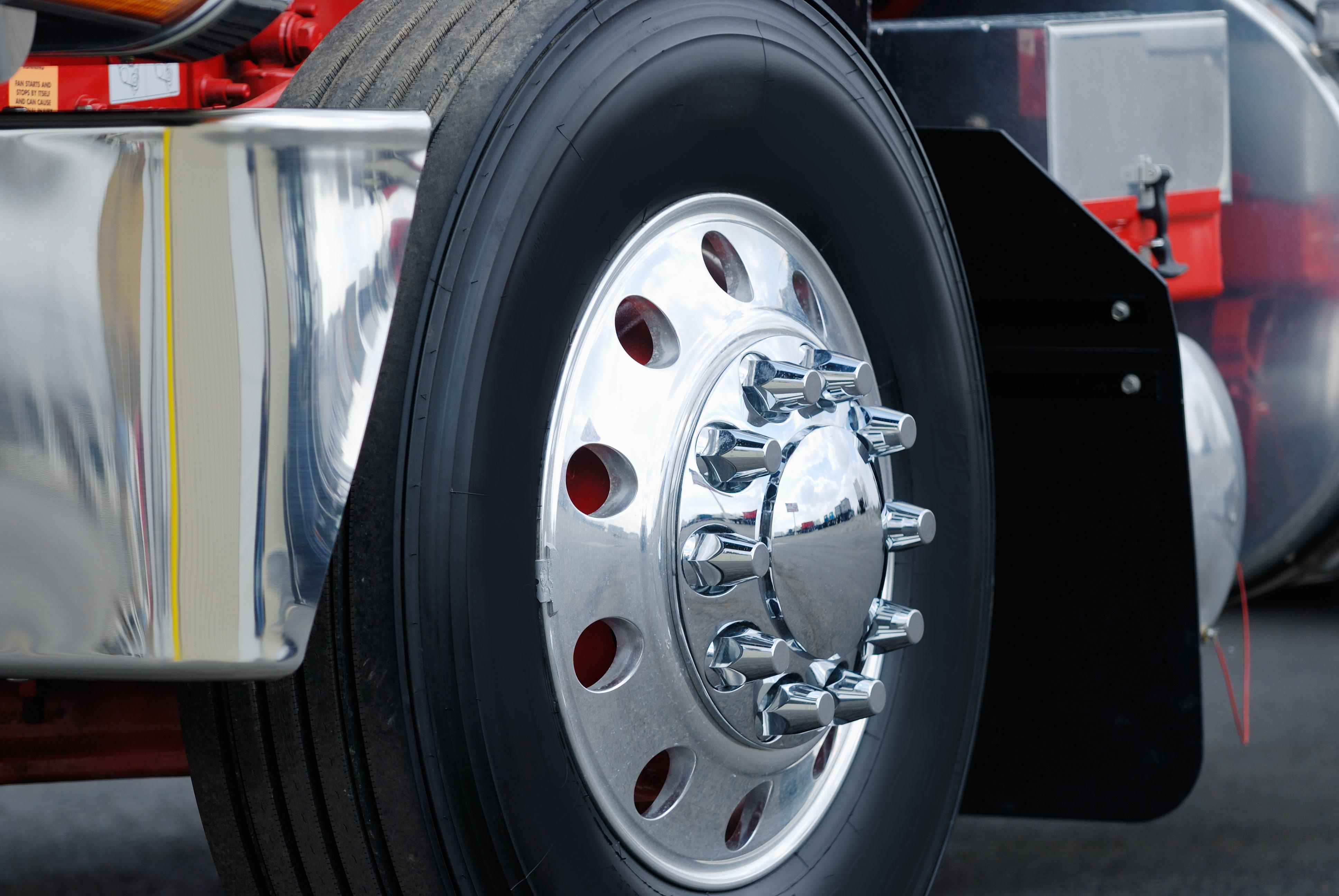 Truck Tire & Wheel   Wiers
